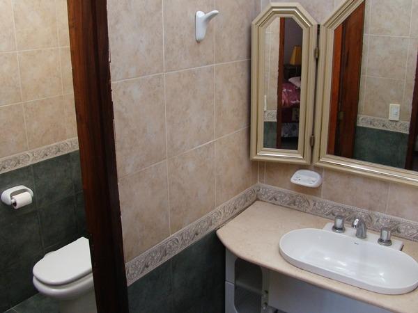 alquilo casa pinamar baño